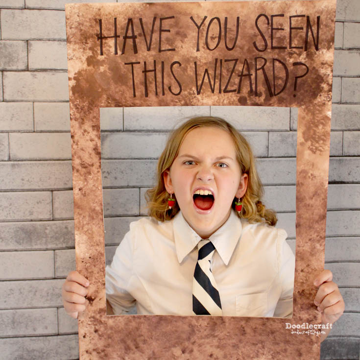 http://www.doodlecraftblog.com/2015/10/harry-potter-party-decorations-games.html