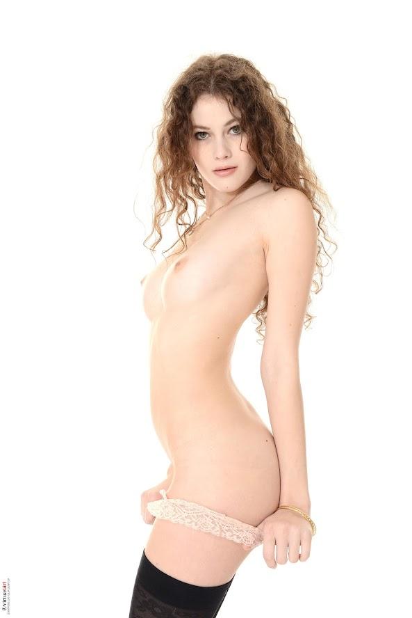 1583556478_heidi_int [iStripper] Heidi Romanova - Intimacy Games