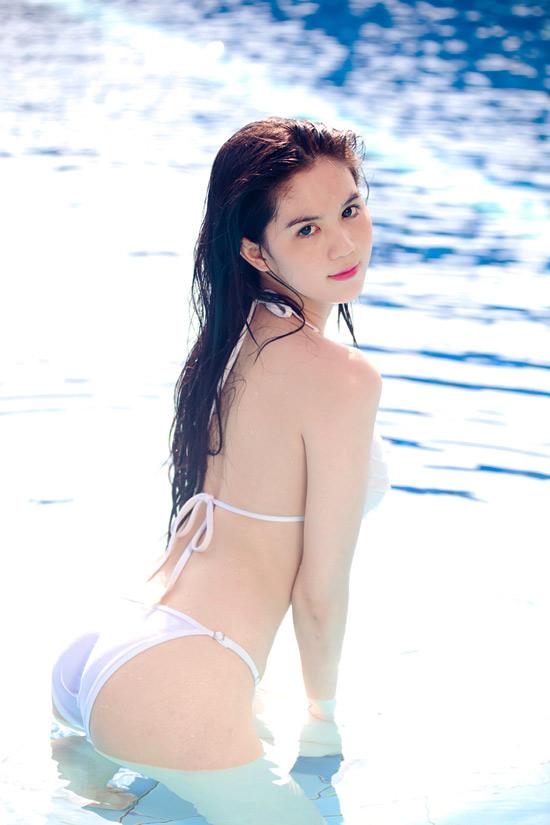 ngoc trinh sexy bikini pics 05