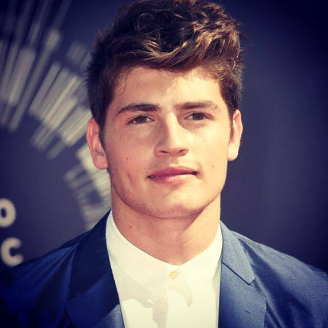 Gregg Sulkin and bella thorne age, girlfriend, relationship, body, dating, brother, birthday, height, movies and tv shows, movies, instagram, leaked, wizards of waverly place, hot, underwear, faking it, wizards, photoshoot, snapchat, bella thorne y, wiki, biography