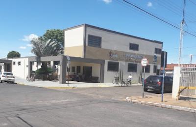 """Secretaria de Saúde de Cajobi fecha Farmácia Municipal por 4 dias para """"economizar"""""""