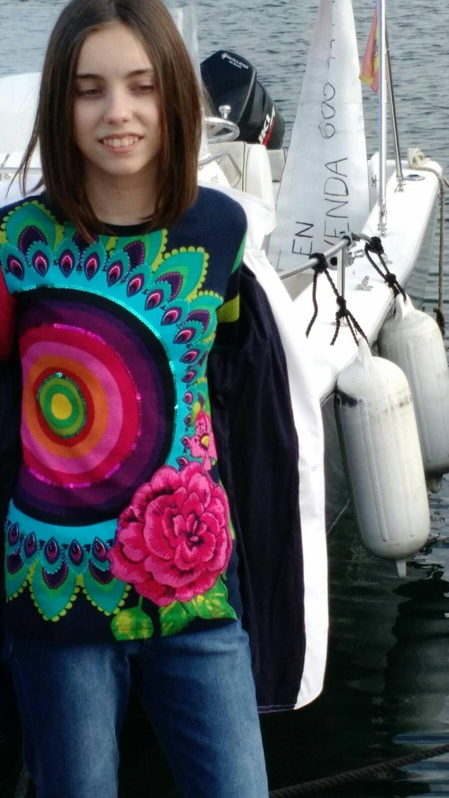 jersey, camiseta con flores, desigual