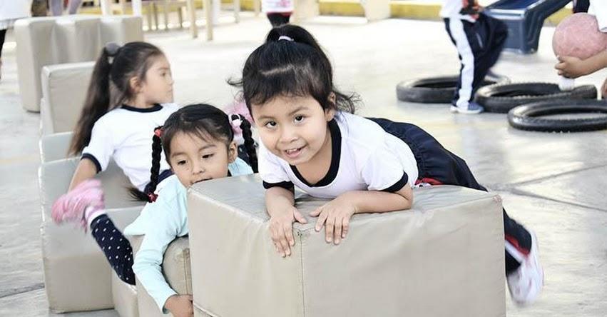 EDUCACIÓN INICIAL: ¡Las niñas y los niños aprenden jugando! DRELM - www.drelm.gob.pe