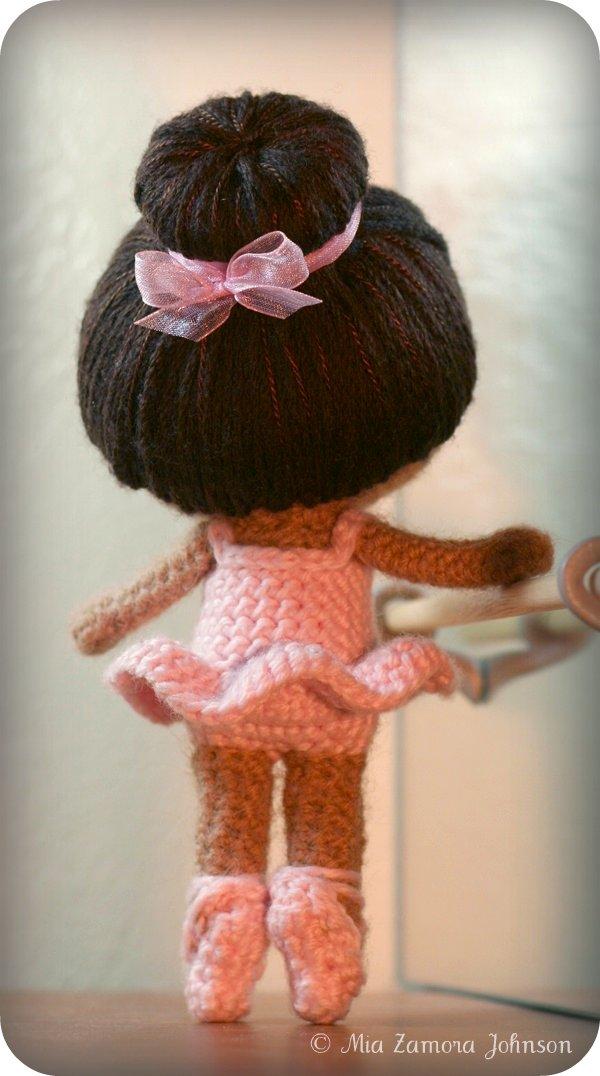 Knitting Pattern Ballerina Doll : Bailarina de punto bajo - hamoraima