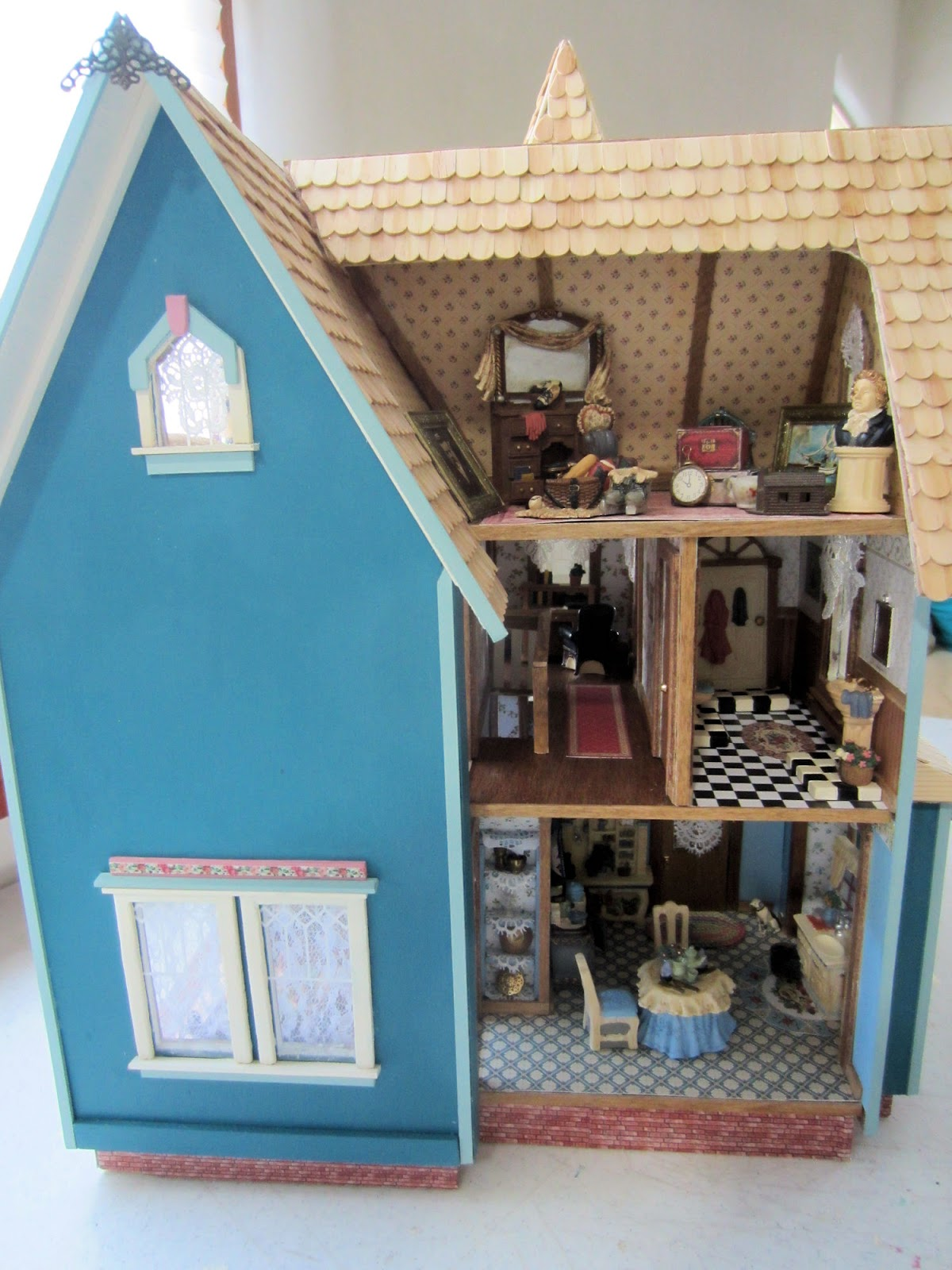 Dollhouse Dreams Fairfield Half Scale Victorian Dollhouse