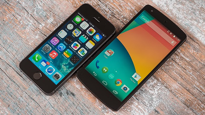 Google Nexus 5 vs. Apple iPhone 5s - Video Comparison