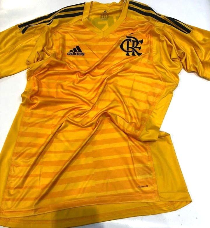 Camisa amarela de goleiro do Flamengo - Foto  Divulgação 4f5e289994079