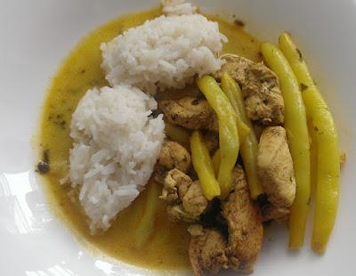Curry z kurczaka i fasolki na obiad