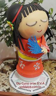Boneca japonesa de E.V.A