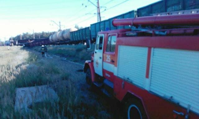 Мисливці за металом пустили під укіс вантажний потяг у Дніпрі - відео