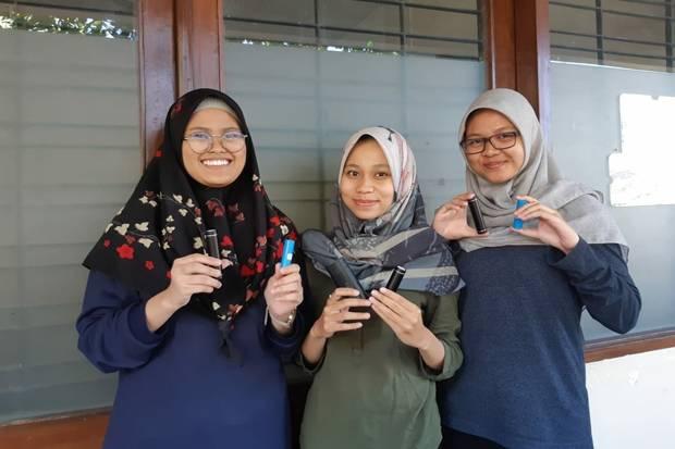 3 Mahasiswa UNS Ciptakan Baterai Lithium dari Limbah Pabrik Semen