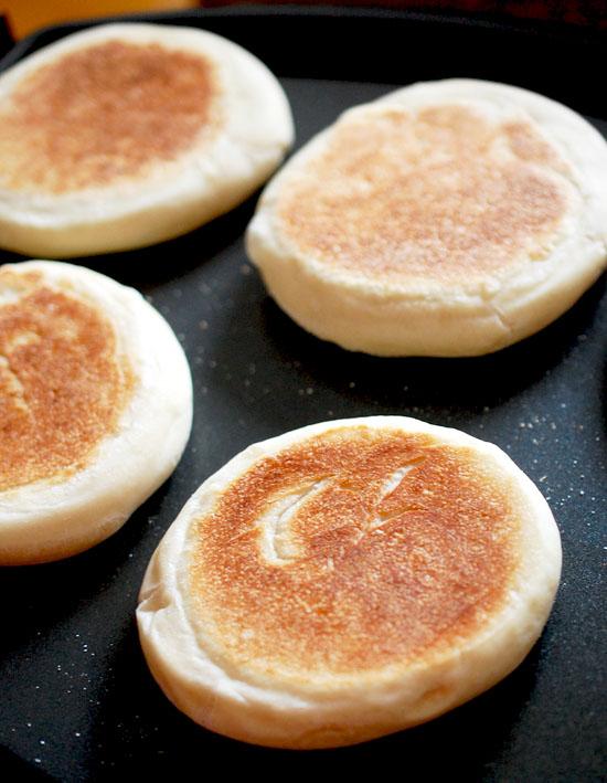 Easy Homemade Bread Recipes - Copycat English Muffins | Homemade Recipes http://homemaderecipes.com/course/breakfast-brunch/diy-bread-recipes