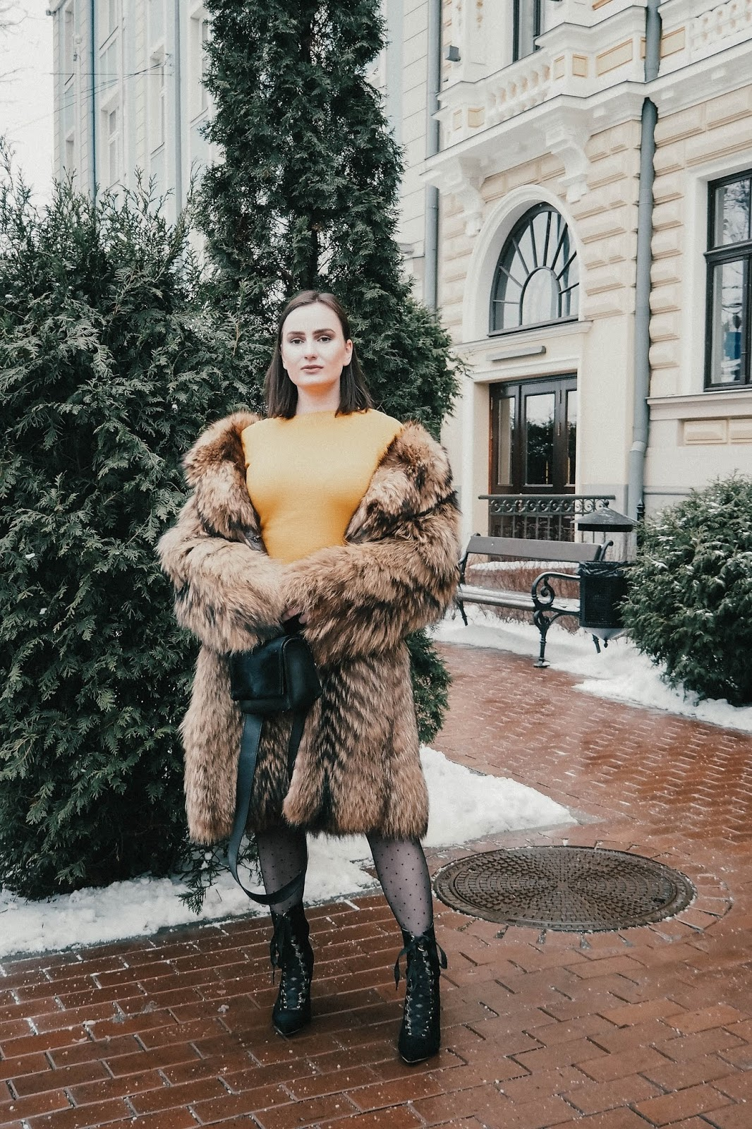 How to Style Knitted Dresses in Winter