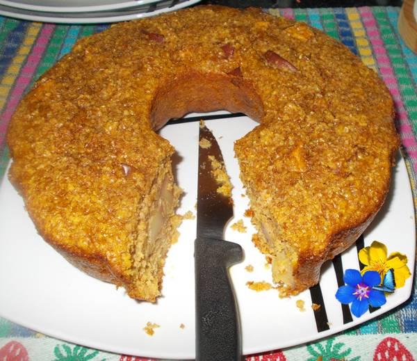 Bolo de aveia com farelo de trigo cenoura e maçã