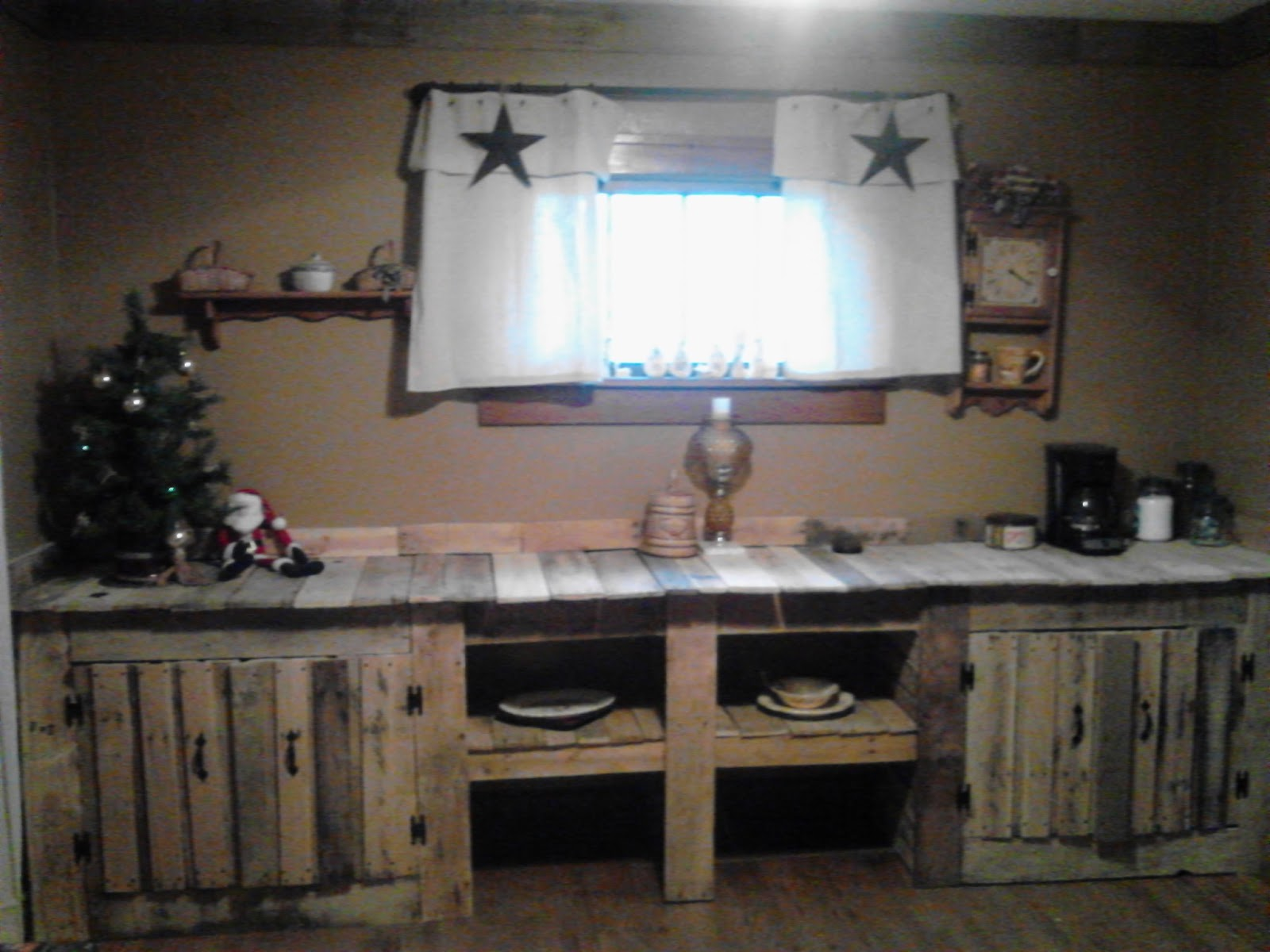 Solution Pallet Dining Room Wall Cabinet