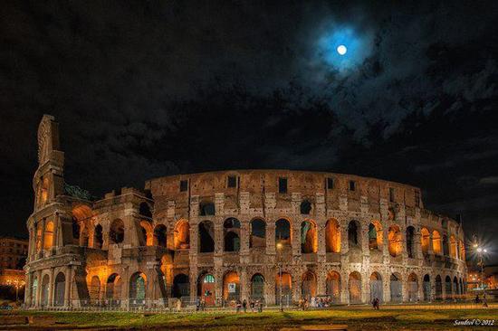 Visitar el Coliseo de noche