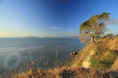 Bukit di Pantai Panmuti