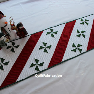Peppermint-Candy-Christmas-Red-Green-Stripe-Table-Runner