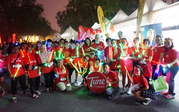 Electric Run 2015, My First Electric Run 2015 Experience, Running Experience, Electric Run Experience, Running, Fitness, Selangor Turf Club, Running Medal, Run Medal,