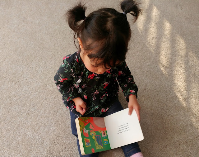 Toddler-Reading-tasteasyougo.com