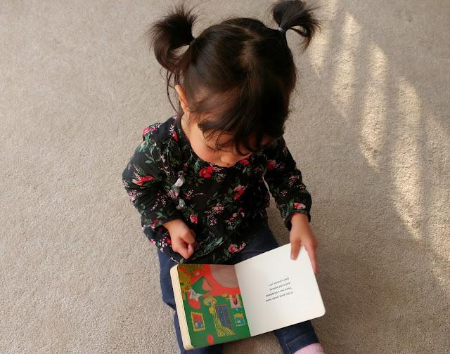 Toddler-Reading-tasteasyougo.com