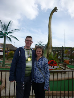 Minigolf Explorers Richard and Emily Gottfried at the Jurassic Adventure Golf in the Santa Fe Fun Park in Swanage, Dorset