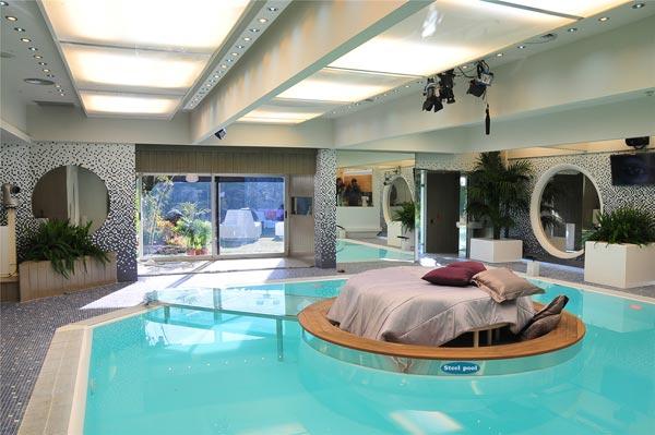 Modelos de piscinas dentro de casa for Modelos de piscinas campestres