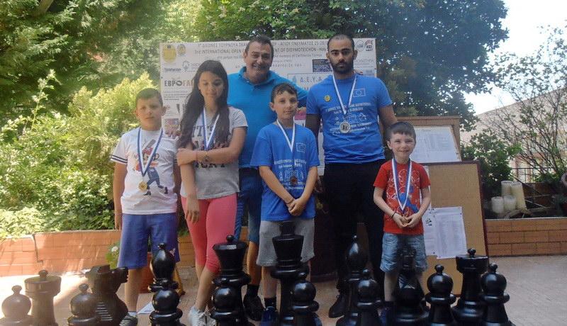 4 μετάλλια για τον Εθνικό Αλεξανδρούπολης στο 3ο Διεθνές Τουρνουά Σκακιού Διδυμοτείχου