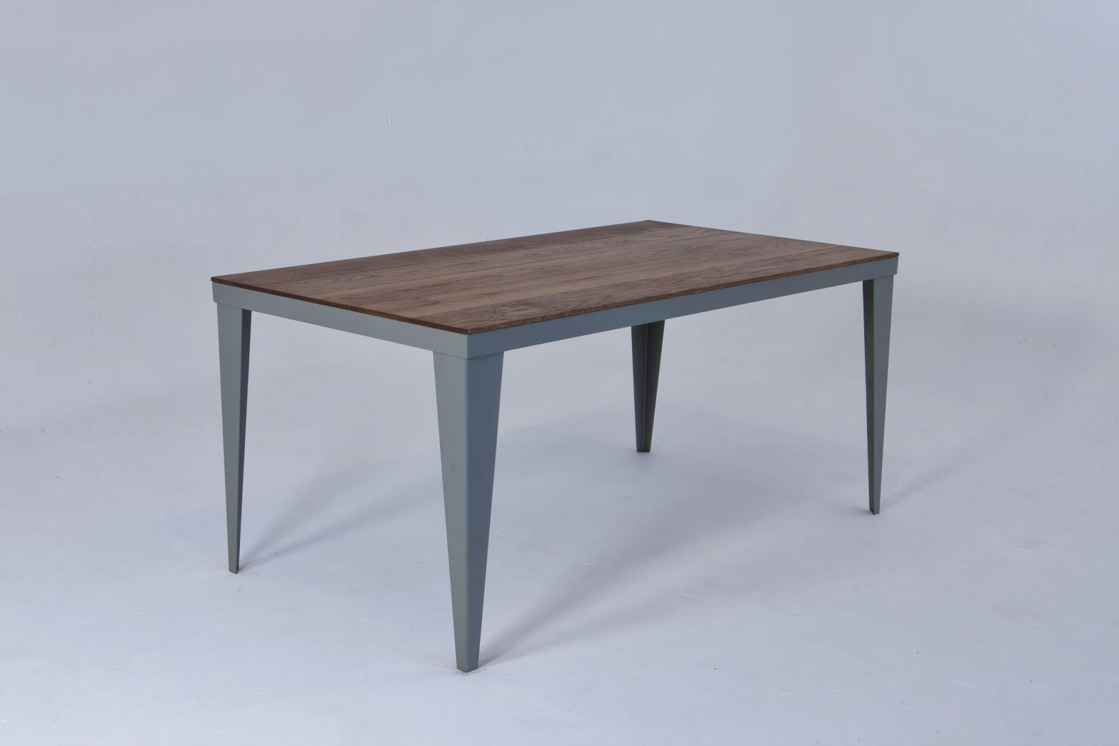 Pigeon Vintage: Industrial dining table