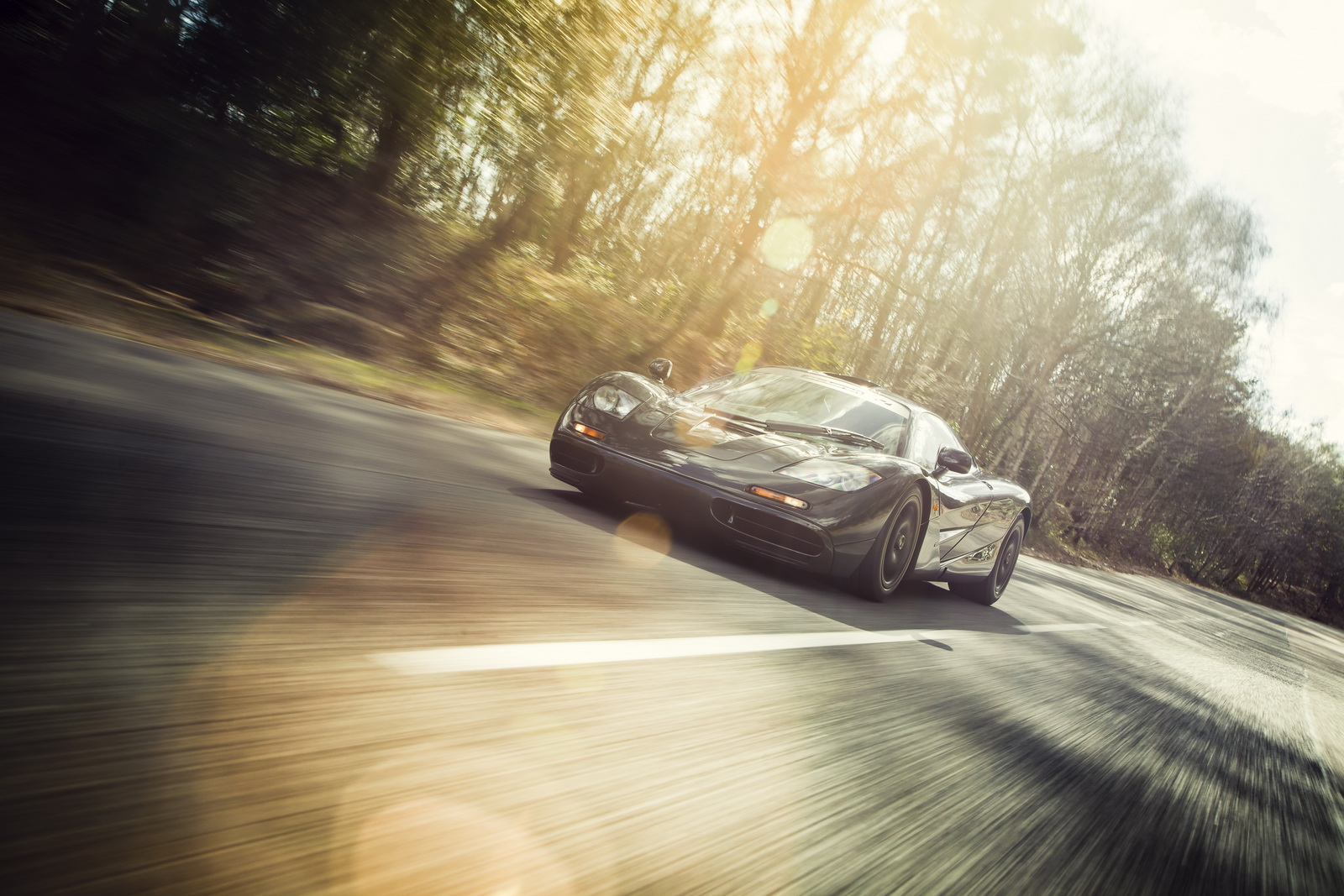 Siêu xe McLaren F1 hút khí tự nhiên nhanh nhất thế giới đang được rao bán