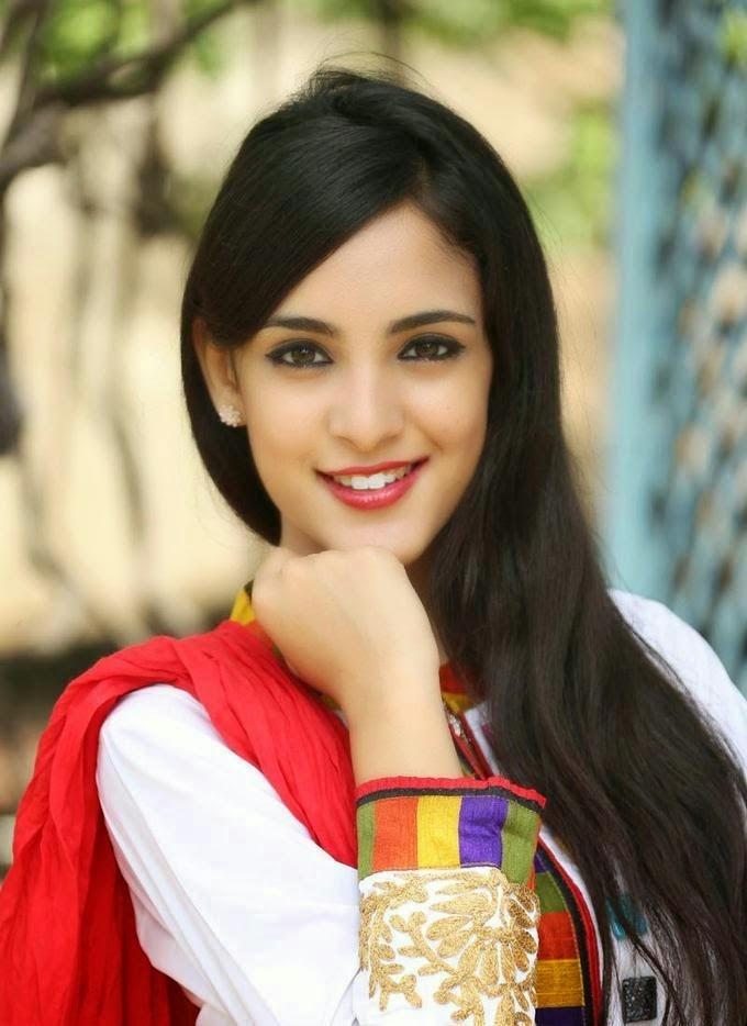 Kanika Kapoor Looks Irresistibly Sexy At Telugu Film ...