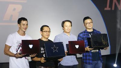 Mike Lewis sebagai Brand Ambassador laptop Acer