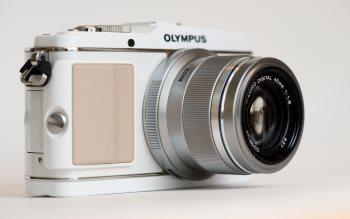 Wallpaper: Olympus SLR Camera