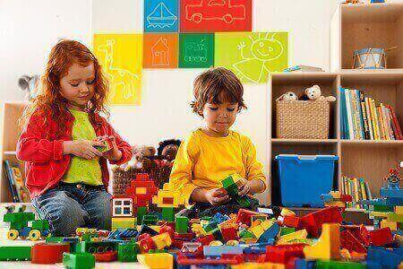 MANFAAT 'LEGO' UNTUK ANAK KECIL