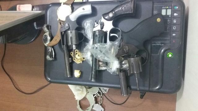 Polícia prende parentes de preso que sofreu tentativa de homicídio em presídio com armas de fogo