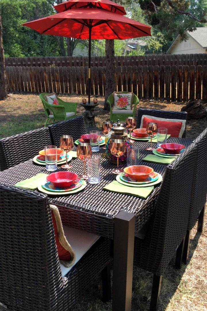 Styling a backyard tropical party & outdoor entertaining ...