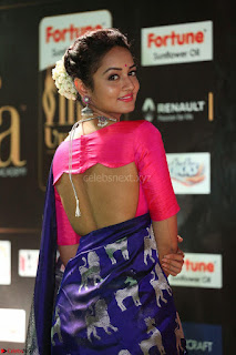 Shanvi Looks Super Cute in Pink Backless Choli Blue Saree at IIFA Utsavam Awards 2017 40.JPG