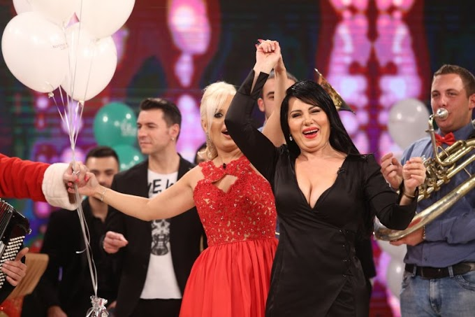 Zlata Petrović u 56. godini pokazala dekolte i gaćice (FOTO)