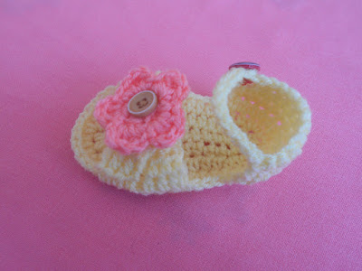 crochet-crosia-Crochet-Sandals-Babies-Sweater-design-pattern-free-tutorial-picture-step by step-handmade-video