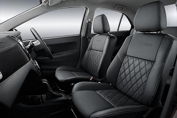 Perodua Bezza Advance gambar seat depan