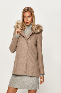 Palton dama cu blanita artificiala