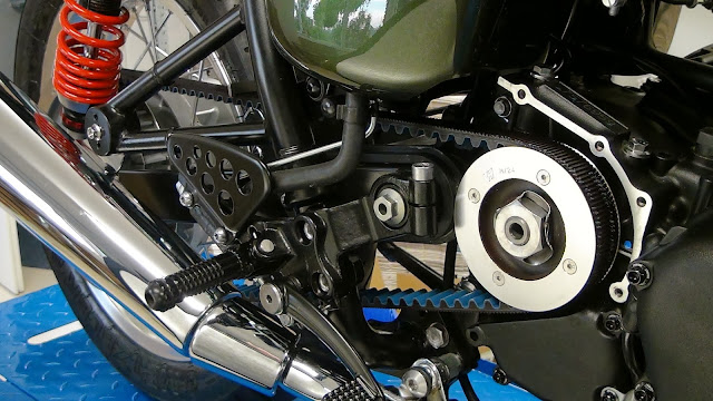 Racing Caf U00e8  Triumph Cr 900 By M U00e9tisse