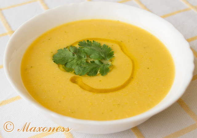 Тыквенный суп с кукурузой, тимьяном и лемонграссом