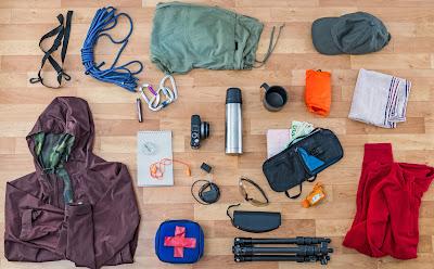 Tips Memilih Pakaian dan Peralatan Hiking