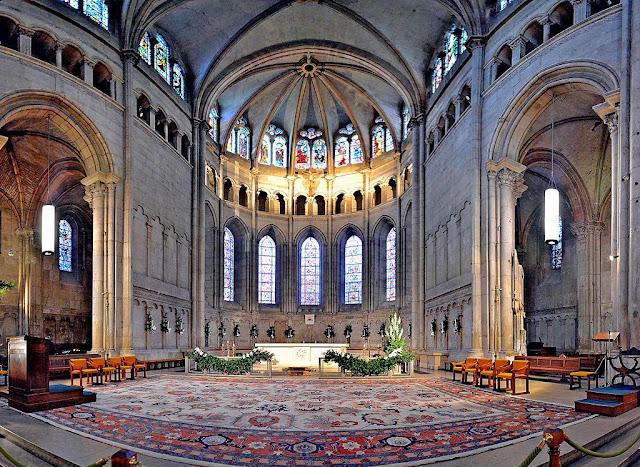 Altar da Catedral Saint-Jean