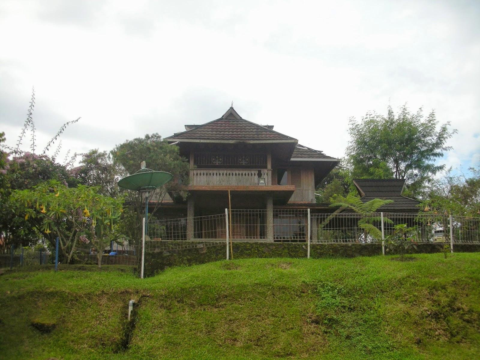 villa di pemandian air panas ciater
