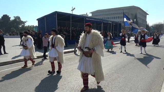 106 Χρόνια Ελεύθερα Ιωάννινα... Πλήθος Κόσμου Στην Παρέλαση ![Φωτό -Βίντεο]