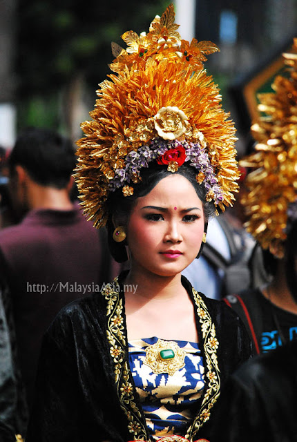 Costume for Klungkung people