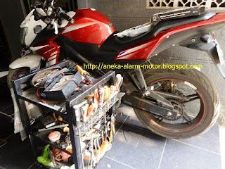 cara pasang alarm motor pada Yamaha Vixion NVL