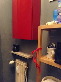 Le cose di bibbi coprire le piastrelle del bagno - Impermeabilizzare fughe piastrelle doccia ...